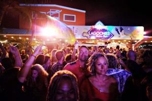 lagoonies-bar-restaurant-st-maarten-intro-1