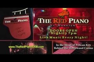 red-piano-sint-maarten