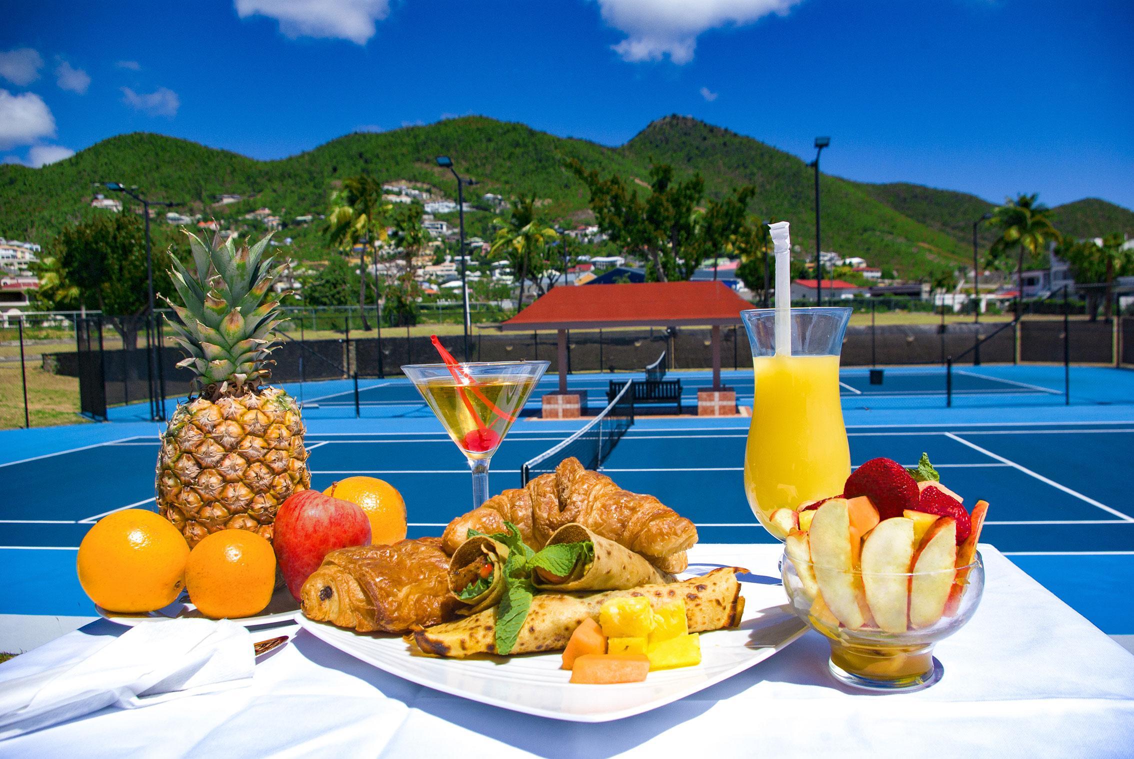 Courtside cafe Sint Maarten Princess port de plaisance Resort